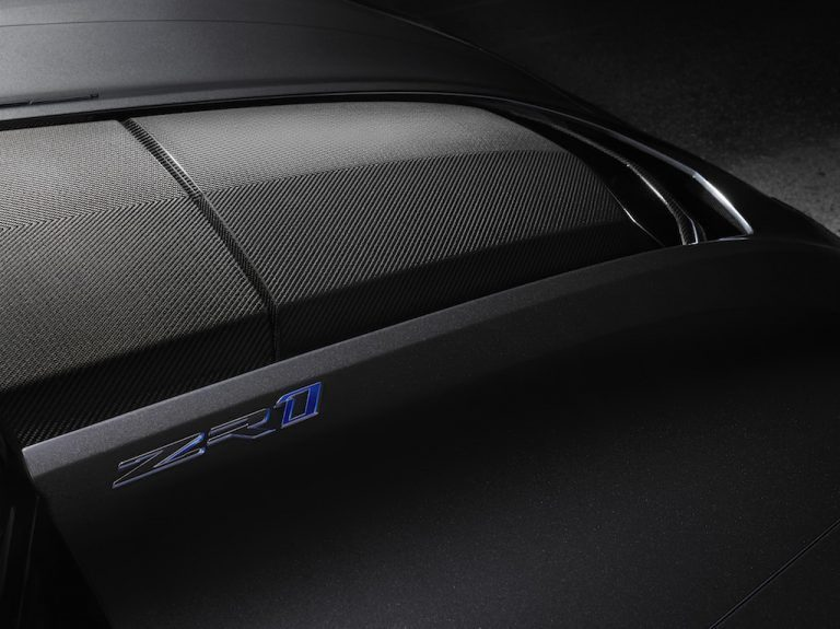 2019-Chevrolet-Corvette-ZR1-008-768x575