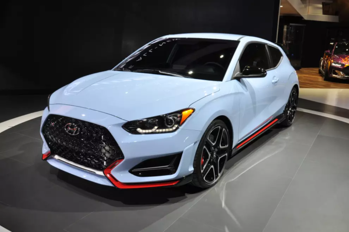 2019 Hyundai Veloster N wants to eat the Golf GTI
