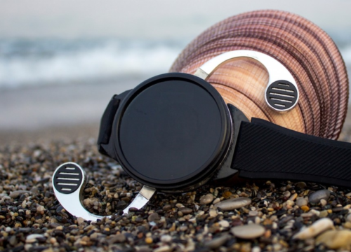 Shell is a bizarre, unconvincing smartwatch-phone mashup
