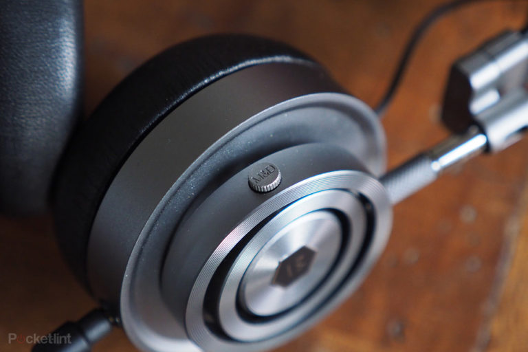 143540-headphones-review-master--dynamic-mh30-review-image7-ela3oudhiz
