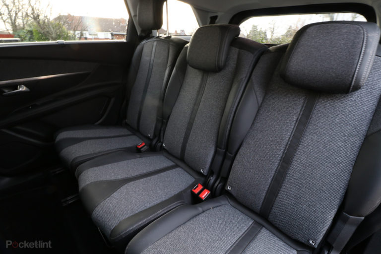 143543-cars-review-peugeot-5008-review-interior-image1-0lxlbtjk4w
