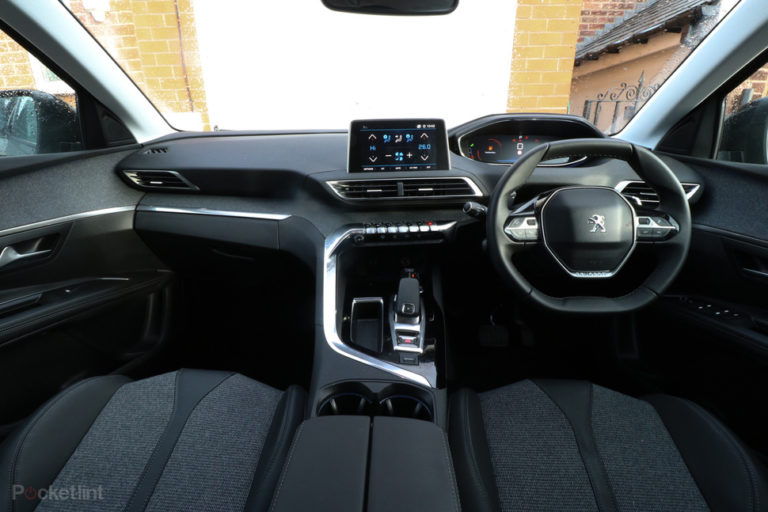 143543-cars-review-peugeot-5008-review-interior-image2-6vwtszbasp