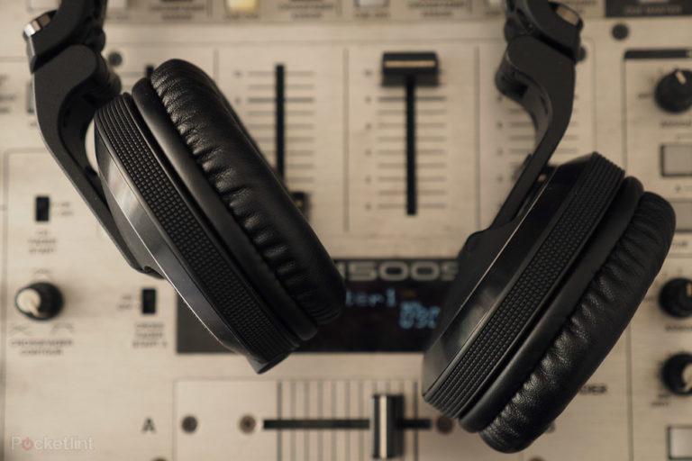 143581-headphones-review-pioneer-hdj-x7-review-image5-2eo1sxqgid