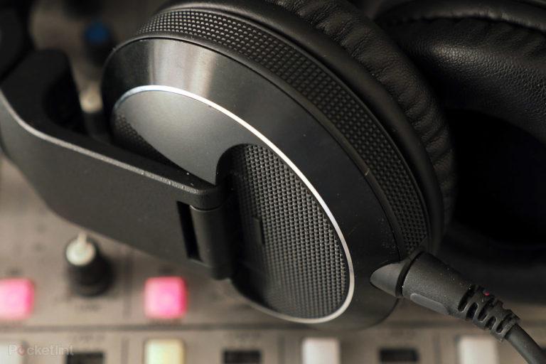 143581-headphones-review-pioneer-hdj-x7-review-image7-4xlkdl0zyv