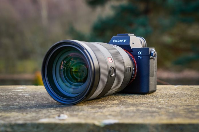 Sony Alpha 7 III Hands-on Review : First Look