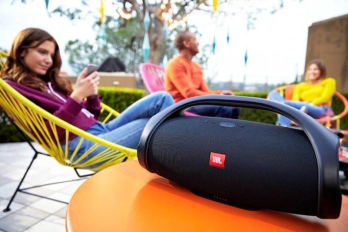 "JBL Boombox review: JBL puts the ""boom"" back in boombox"
