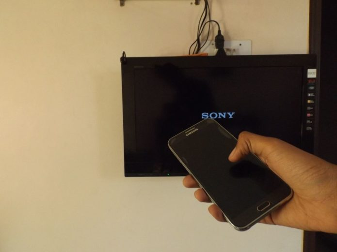 Which phones let me control any TV in 2018?