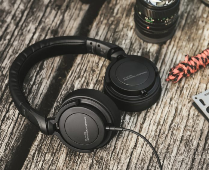 Beyerdynamic DT 240 Pro Headphones Review – Cheap Professional Headphones
