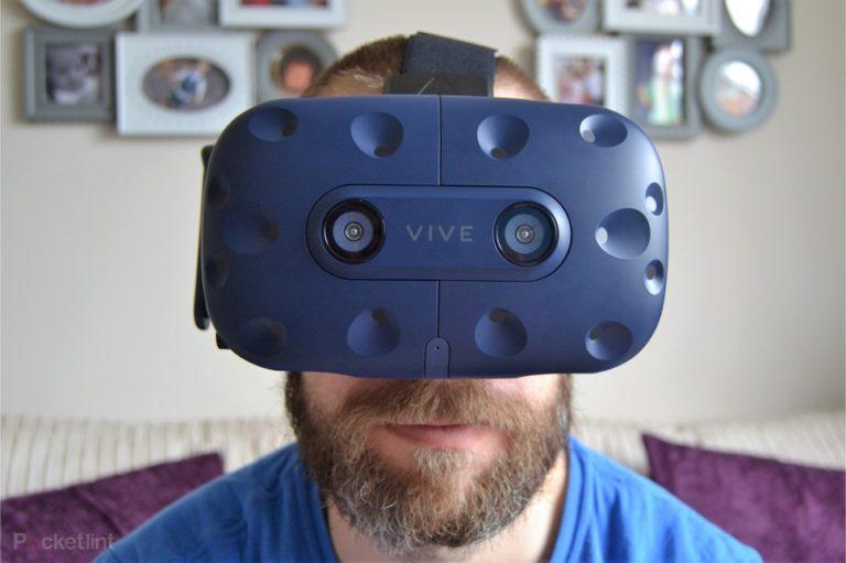 143276-ar-vr-review-review-htc-vive-pro-review-headshots-image1-jciqomf3ua
