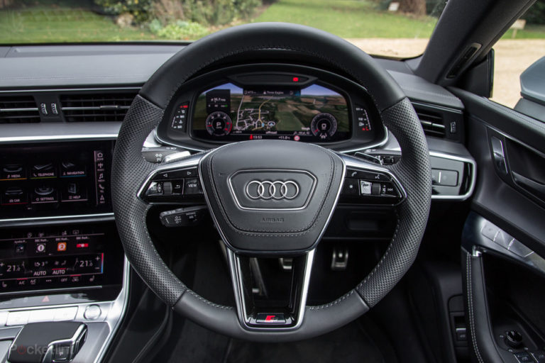 143985-cars-review-audi-a7-interior-image2-dnstyqbl05