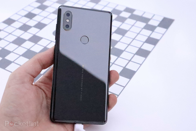 144052-phones-review-hands-on-xiaomi-mi-mix-2s-review-image2-ypdxcqml9j