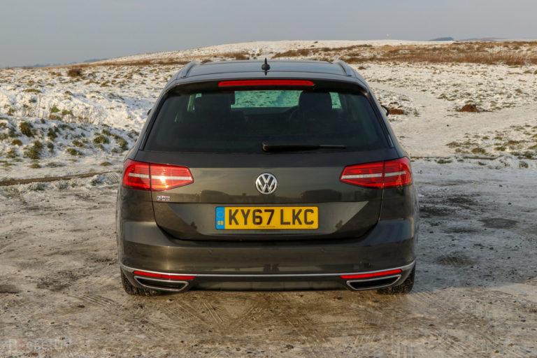 144132-cars-review-volkswagen-passat-gte-–-exterior-image1-bmcqxruyj7