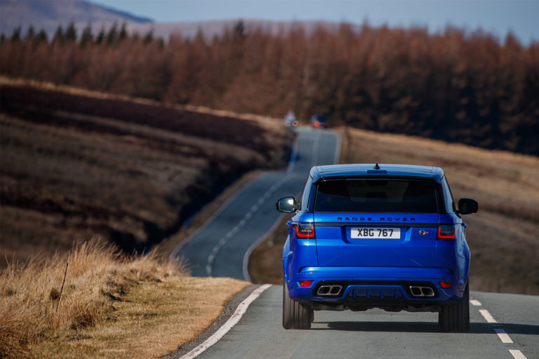 144134-cars-review-range-rover-sport-svr-exterior-image6-uhryzv8xdt