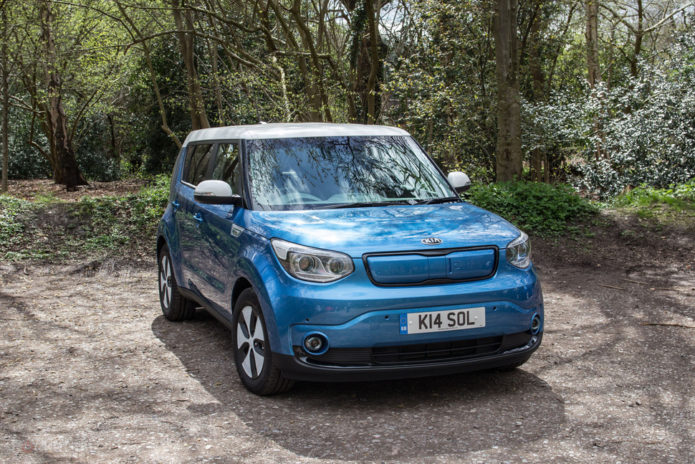 144232-cars-review-kia-soul-ev-review---exterior-image1-aomnbm5qyc