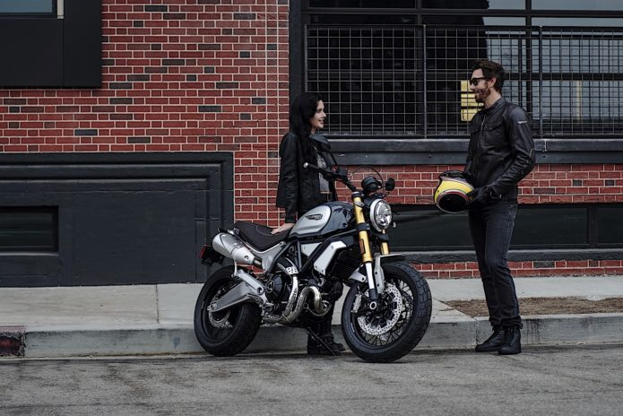 2018-ducati-scrambler-1100-is-out-to-play-with-the-big-boys-121501_1