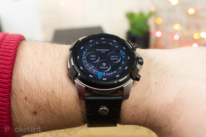143338-smartwatches-review-diesel-on-full-guard-image5-cq8x2tx0zh
