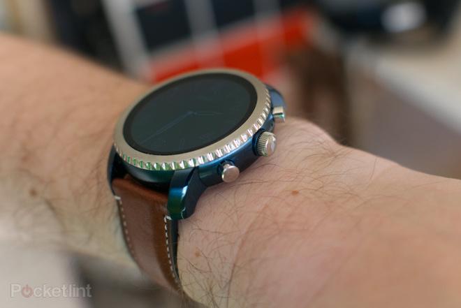144116-smartwatches-review-fossil-q-explorist-image5-83cb6t9vfj
