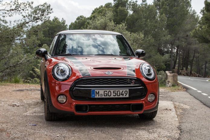 144480-cars-review-mini-cooper-s-hatch-2018-image1-zht5jzdiq4