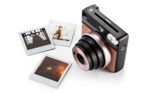 Fujifilm instax SQUARE SQ6 is an analog camera in a digital world