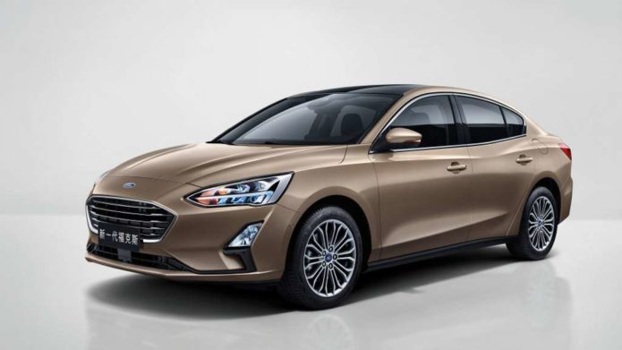 2018-Ford-Focus-Sedan-Officially-Unveiled-In-China