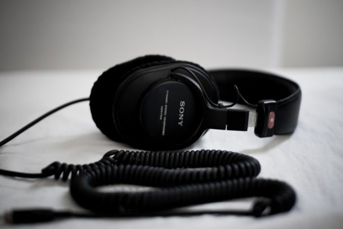 Best Studio Headphones under $100 (Top 8 Contenders)