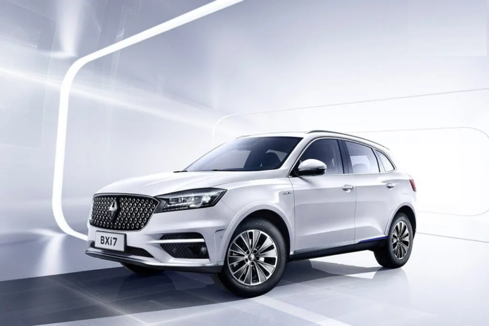 Borgward reveals BX6 and pure-electric BXi7