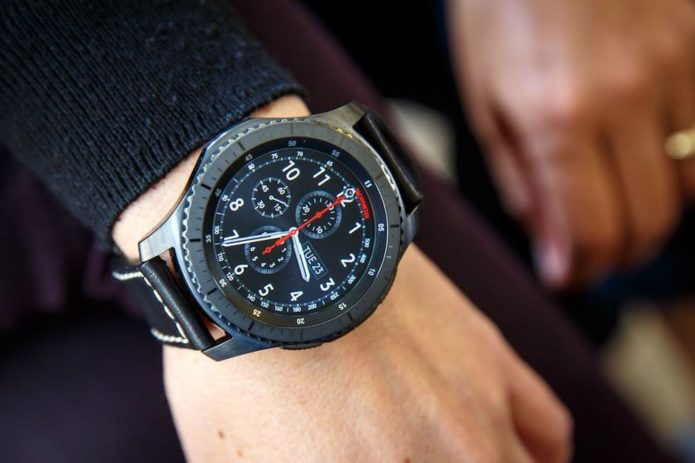 5 Reasons to Wait for the Samsung Gear S4 & 2 Reasons Not To