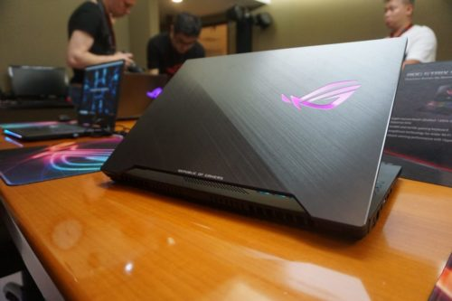 Asus ROG Strix Scar 2 Hands-on Review : First look