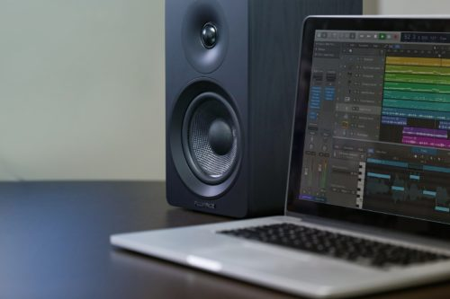 The Fluance Ai40 review: Loud sound, innocuous design