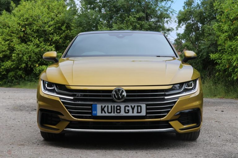 145096-cars-review-volkswagen-arteon-review-exterior-image1-rye9duo8zi