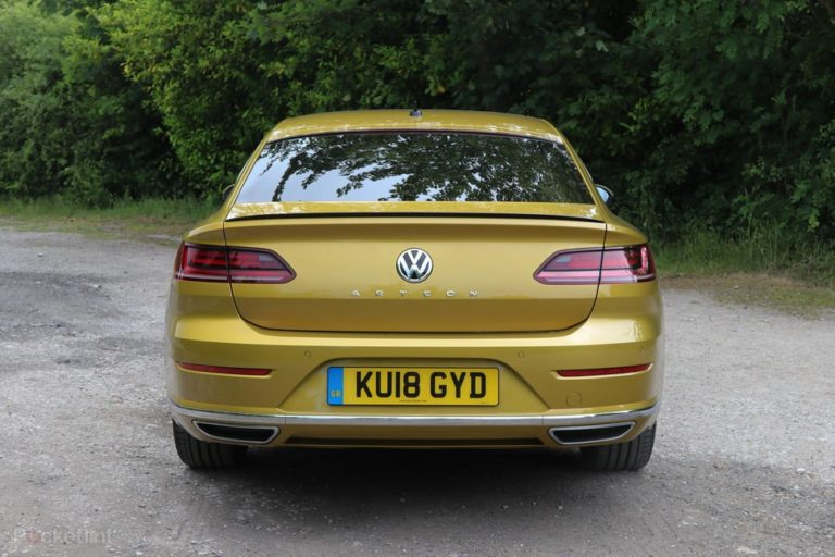 145096-cars-review-volkswagen-arteon-review-exterior-image2-uspvigwxyq