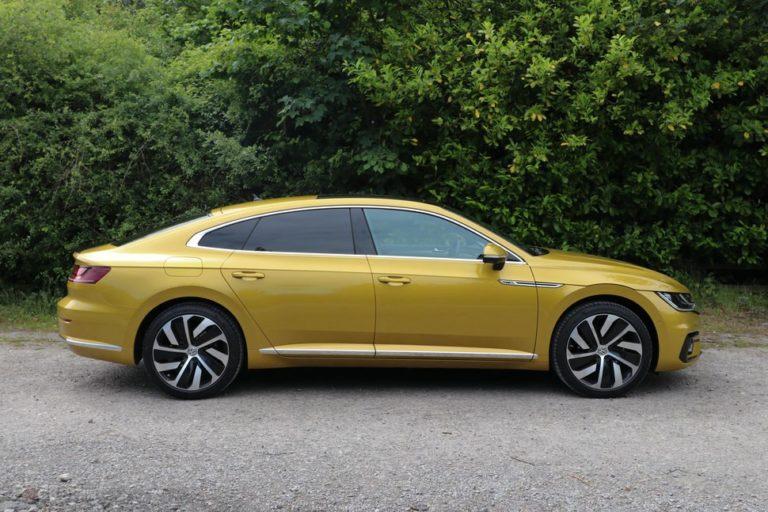 145096-cars-review-volkswagen-arteon-review-exterior-image4-llrjtg5u7k