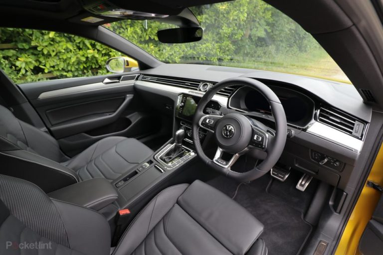 145096-cars-review-volkswagen-arteon-review-interior-image1-nk21znqodm