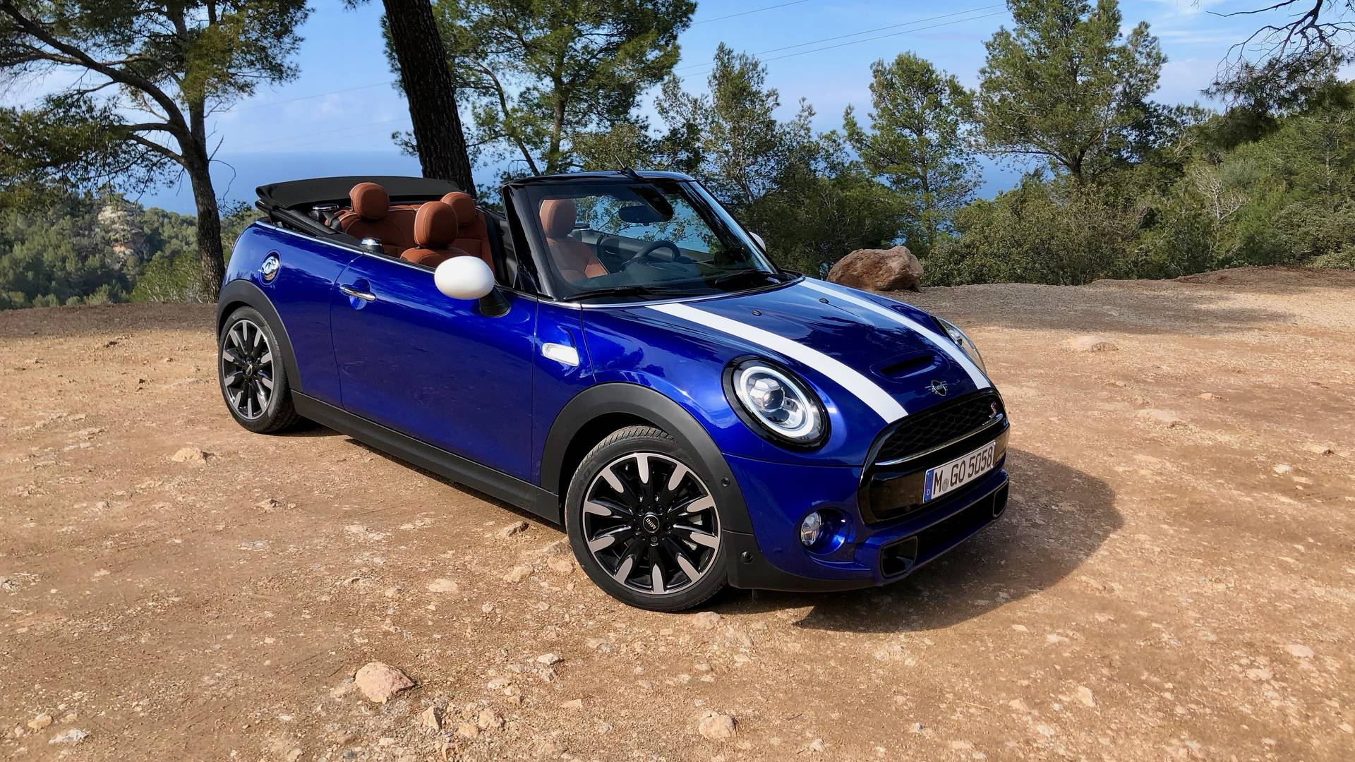 mini convertible cooper s review topless fun gearopen. Black Bedroom Furniture Sets. Home Design Ideas