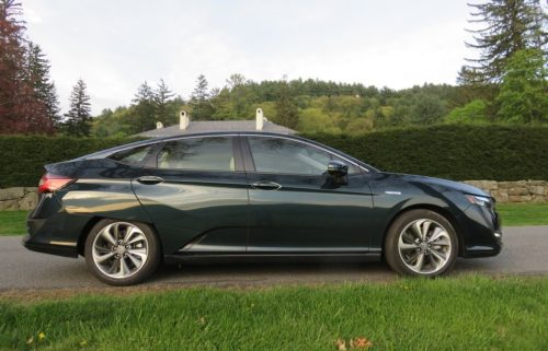 Nissan Leaf vs. Honda Clarity Plug-in Hybrid: Comparing the Value Green Cars of 2018