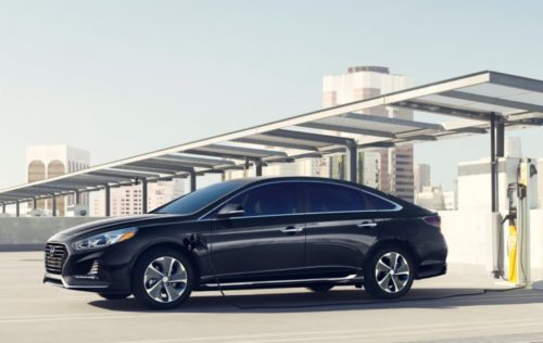 2018 Hyundai Sonata Plug-In Hybrid gives a choice: lower price or more tech
