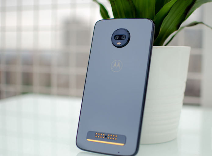 MOTO Z3 PLAY REVIEW – SWEET MODS AND INFINITE BATTERY LIFE, FOR A PRICE