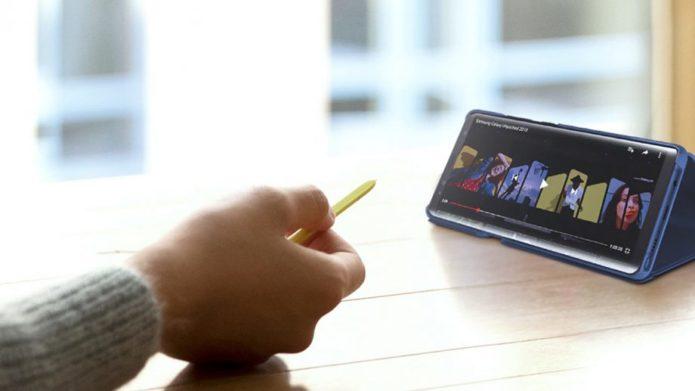 Samsung-Galaxy-Note-9-S-Pen-presentation-lifestyle-press-image-920x517