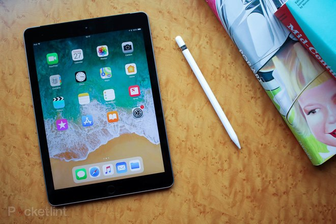 144061-tablets-hands-on-apple-ipad-97-2018-initial-review-pencil-time-image1-kuefzt0cgy