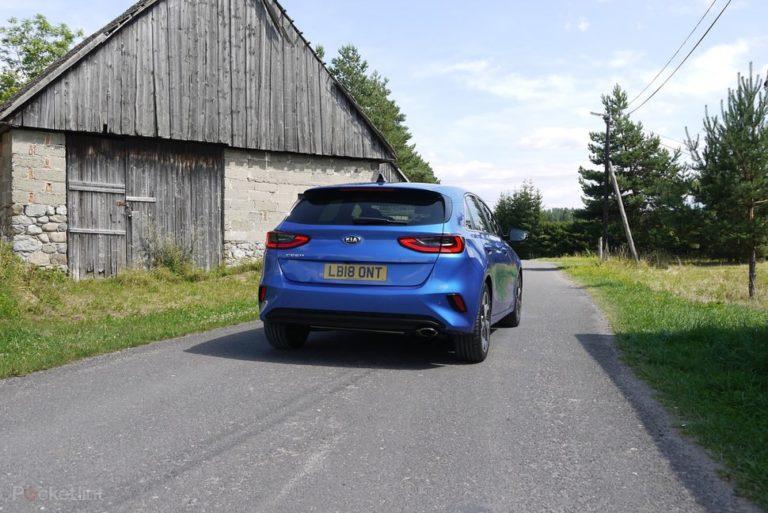 145293-cars-review-kia-ceed-exterior-image1-xuydhe6axv