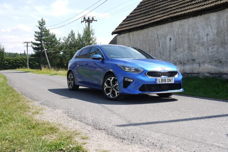145293-cars-review-kia-ceed-exterior-image3-qygh62arol