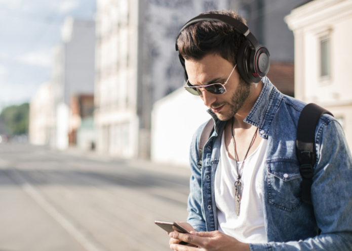 Audio-Technica ATH-WS990BT Solid Bass Wireless Headphones Review