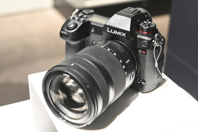 Panasonic S1R Hands-on Preview - Development Announcement