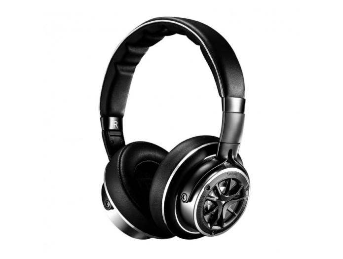 1More Triple Driver Over-Ear Headphones Review: Specially Made for Music Lovers