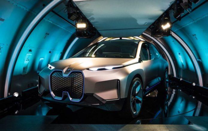 BMW Vision iNEXT previews 2021 EV