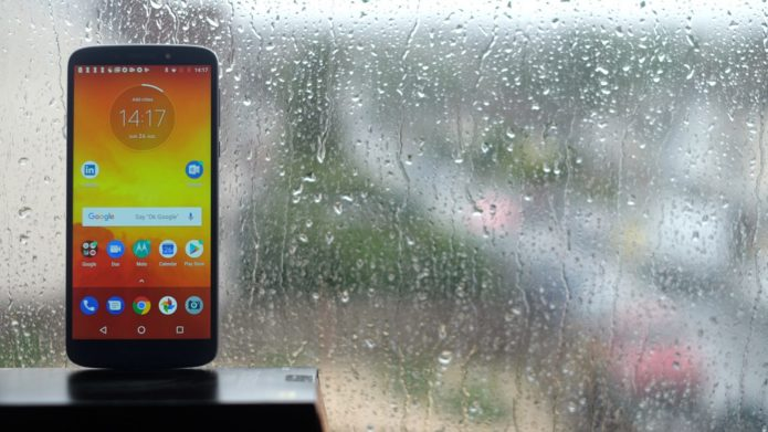 Motorola Moto E5 Review : Not the best Moto phone we've reviewed in 2018