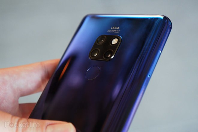 146015-phones-review-hands-on-huawei-mate-20-review-image11-7ckezg8frm