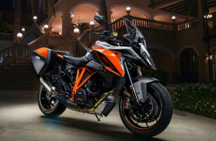 2019 KTM 1290 Super Duke GT First Look Review : Supersport Touring Motorcycle (9 Fast Facts)