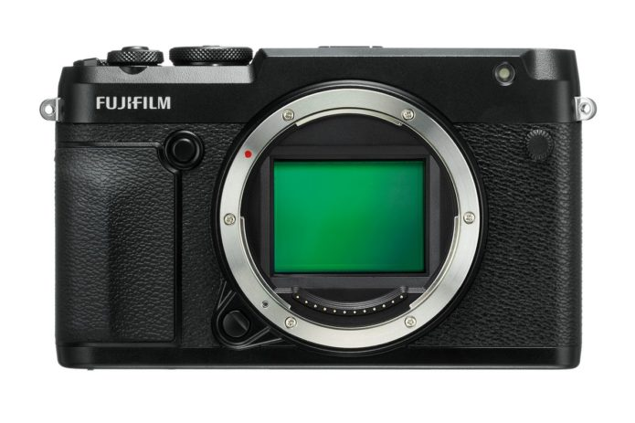 Fuji GFX 50R Hands-on Review -- First Impressions