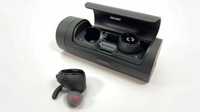 Phiaton-Bolt-TrueWirelessEarphones-002